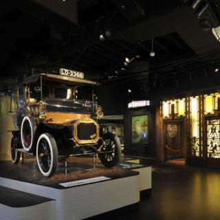 old fashioned car display at the museum of london