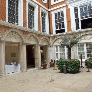 Tallow Chandlers' Hall - Courtyard