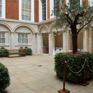 Tallow Chandlers Court Yard
